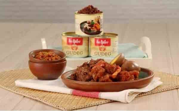 Eat the city's favorite meal Gudeg Jogja