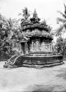 Pawon temple 1900